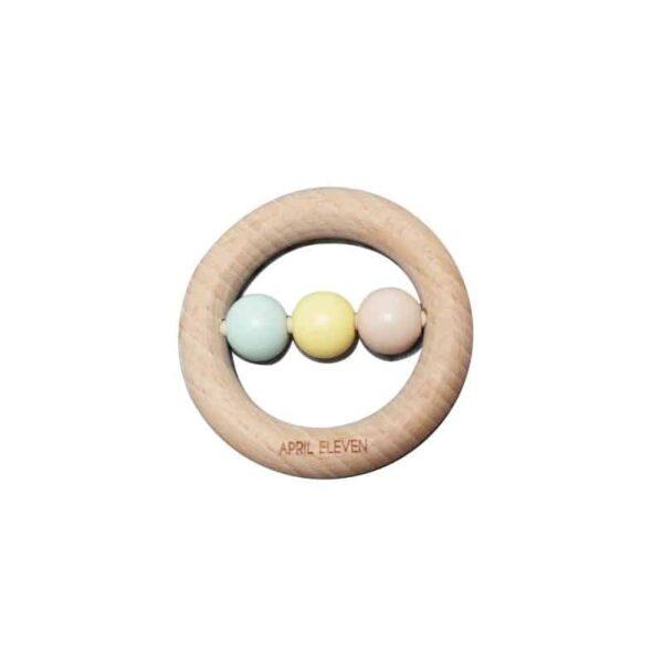 hochet-anneau-de-dentition-en-bois-perles-bebe-april-eleven
