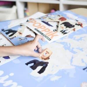 Poppik-poster-geant-en-stickers-theme-animaux-du-monde