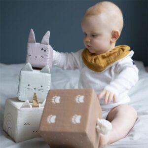 cubes-d-eveil-pour-bebe-en-coton-bio-fabelab