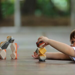 jouets-a-empiler-rochers-plan-toys