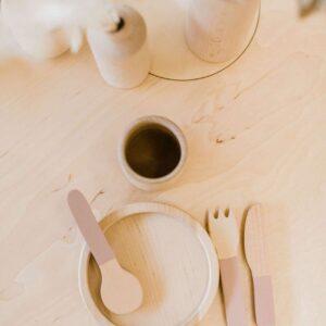 set-de-table-en-bois-rose-marque-flexa