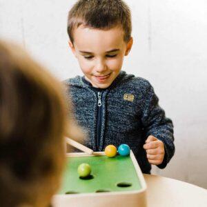 jeu-de-billard-en-bois-pour-enfant-plan-toys