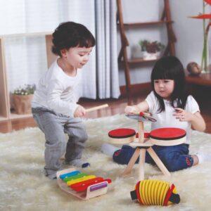 battterie-en-bois-enfant-plan-toys