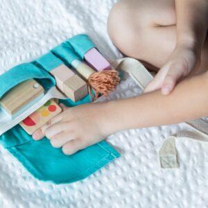 ceinture-trousse-de-maquillage-et-accessoires-en-bois-plan-toys