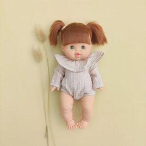poupée gabrielle paola reina qui porte un body en lurex beige