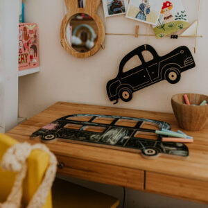 jouet en ardoise en forme de voiture à colorier à la craie